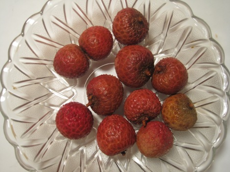 Bowl of ripe lychees.