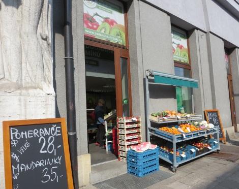 Fruit and veggie shop near the Adalbertinum stop.
