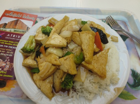 A pile of tofu, broccoli and rice from the Chinese place in the Tesco near the train station.