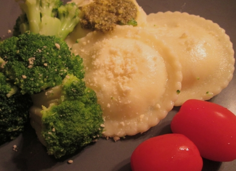Conte's gluten-free cheese ravioli, with broccoli and tomatoes.