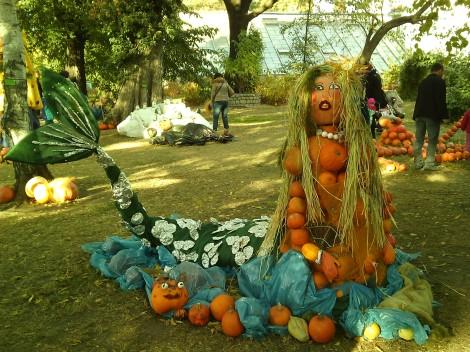 Siren make of pumpkins!